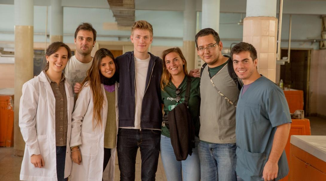 A group of Projects Abroad interns prepare for their Medicine internship for teenagers in Argentina